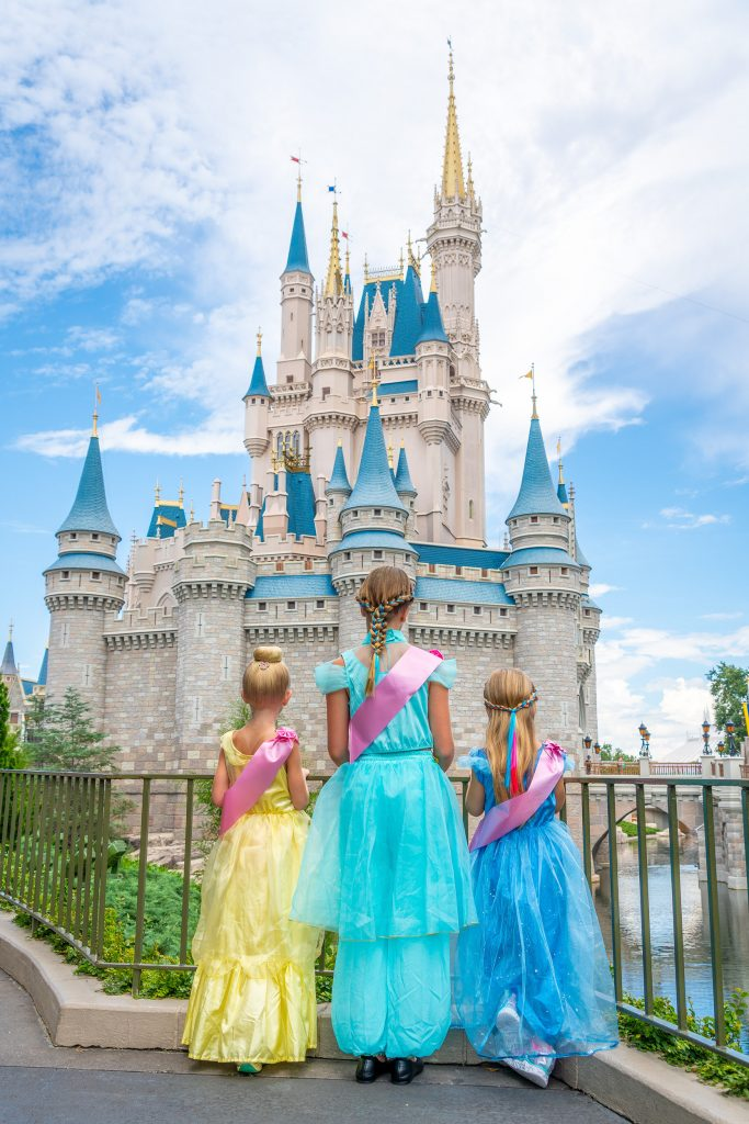 Orlando lifestyle blogger, Amber Likes shares Disney World basics here with all the tips you need for your first trip! Disney can be overwhelming!