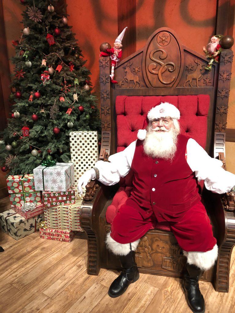 Gaylord Palms Christmas Santa