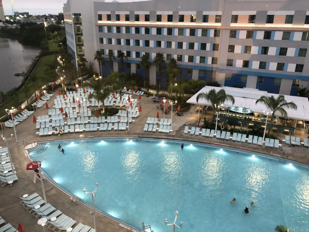 Universal's Endless Summer Resort pool