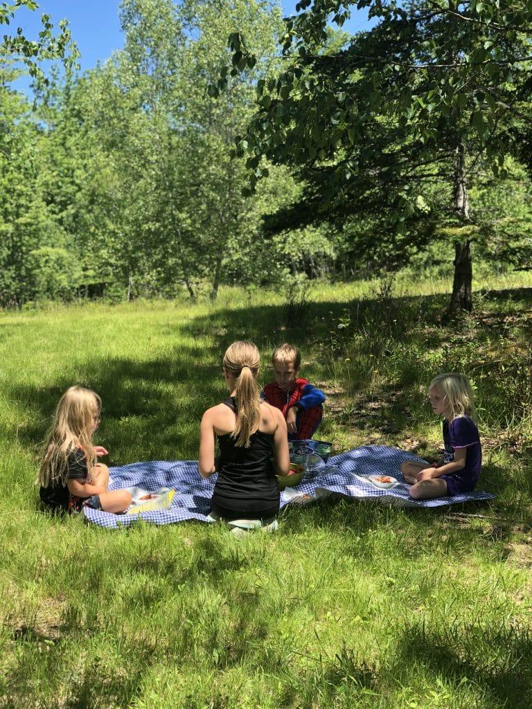 homeschooling outside