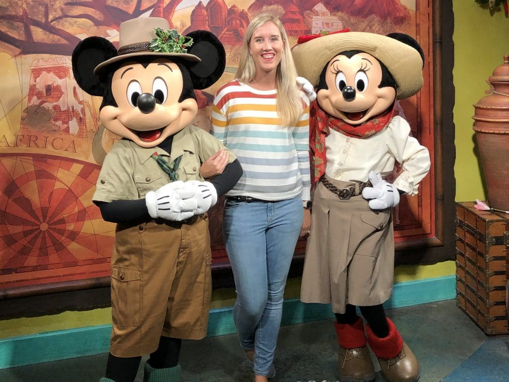 mickey and minnie at animal kingdom