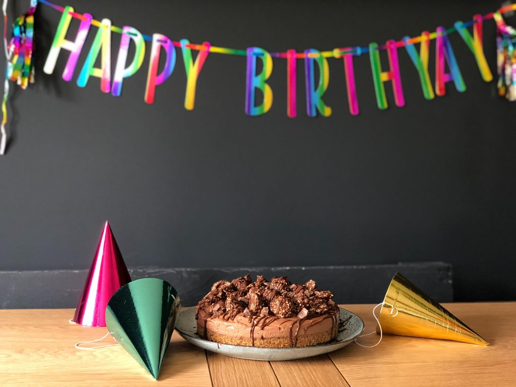 how to throw a virtual birthday party