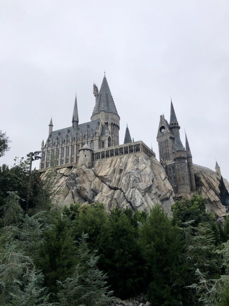 social distancing at Universal Orlando wizarding world of harry potter