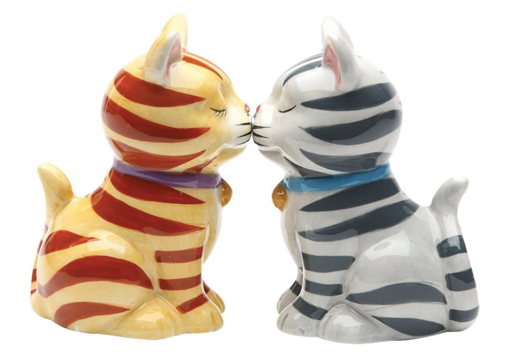unique salt and pepper shakers kissing cats